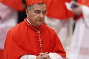 Cardinal Becciu resigns as prefect, renounces rights as cardinal