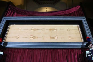 RARE EVENT: Shroud of Turin to be displayed via livestream on Holy Saturday amid pandemic